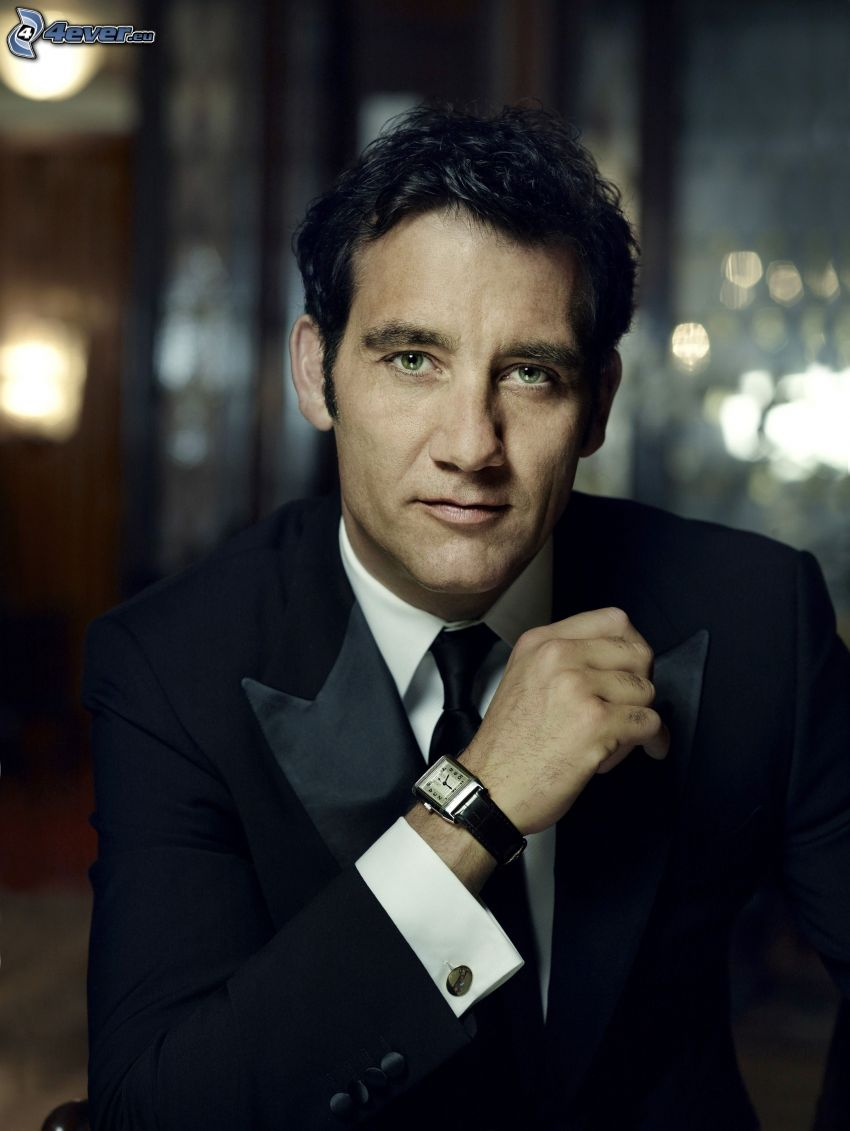 Clive Owen, man in suit