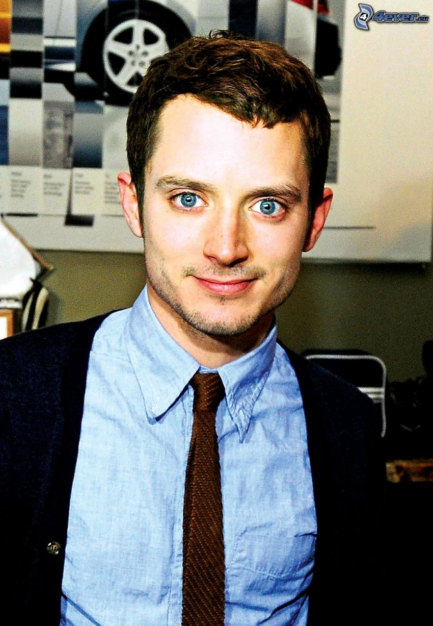 Elijah Wood, man in suit