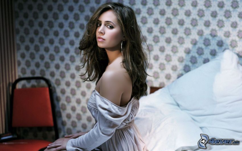 Eliza Dushku, brunette on bed