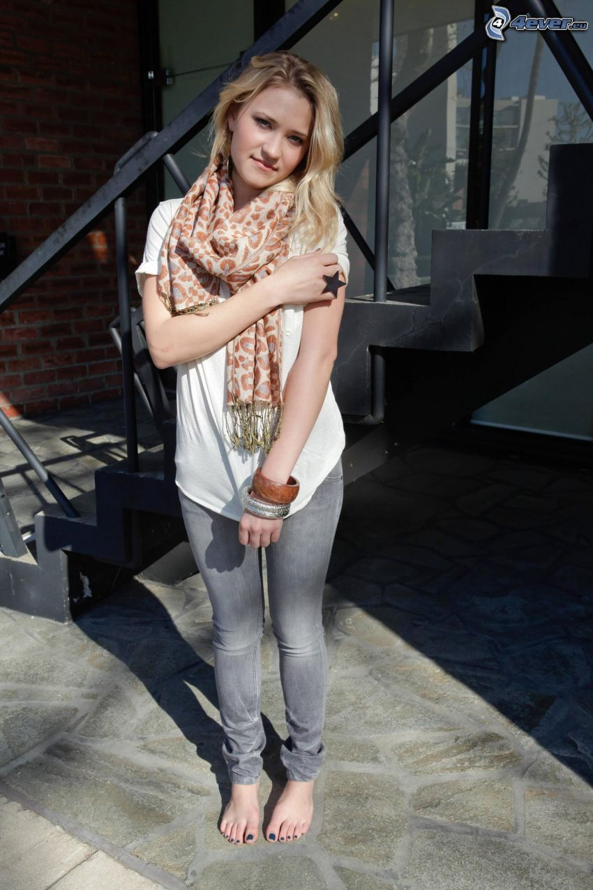 Emily Osment, stairs