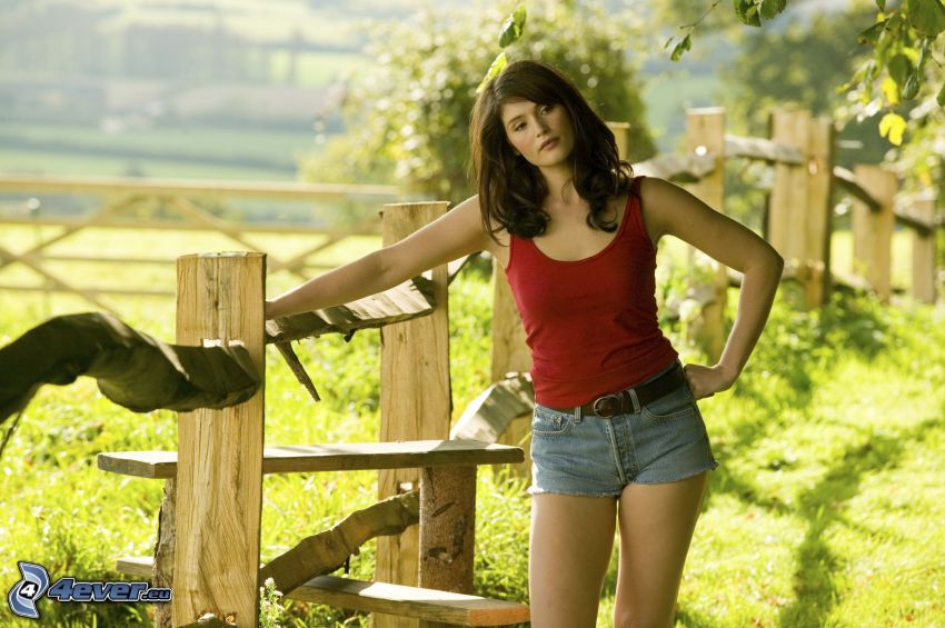 Gemma Arterton, palings