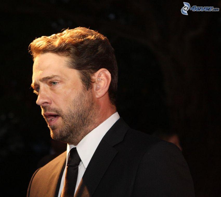 Jason Priestley, man in suit