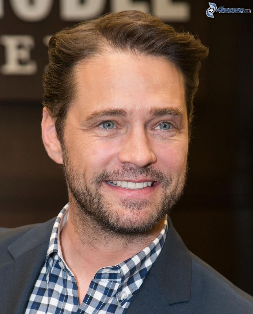 Jason Priestley, smile