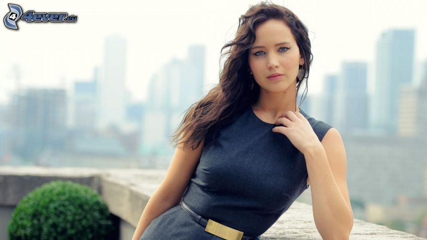 Jennifer Lawrence, view of the city