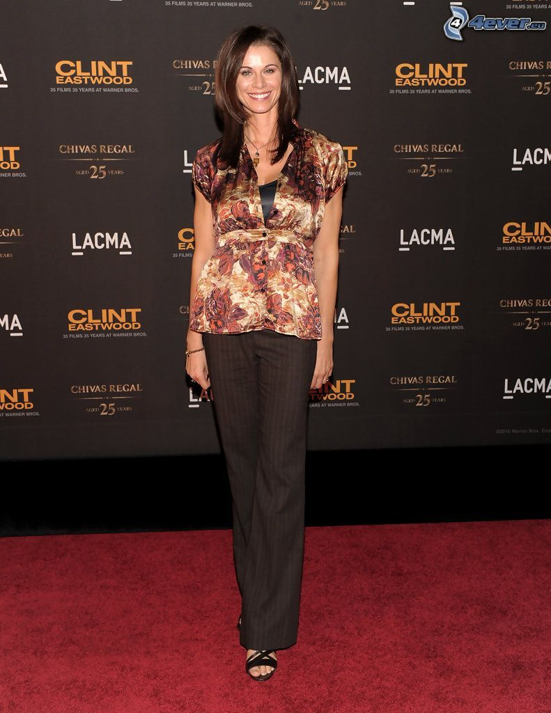 Jennifer Taylor, smile