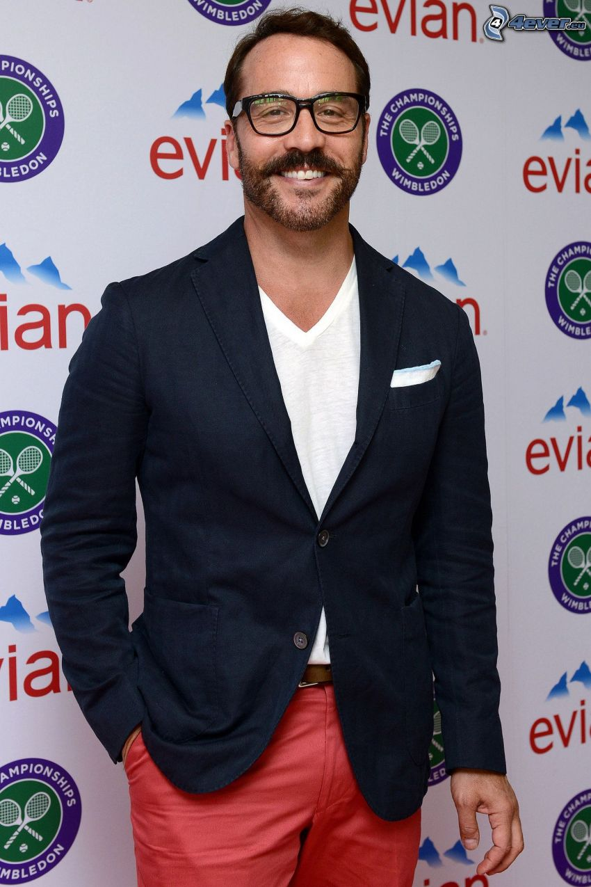 Jeremy Piven, man with glasses, laughter
