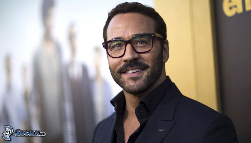 Jeremy Piven, man with glasses, smile