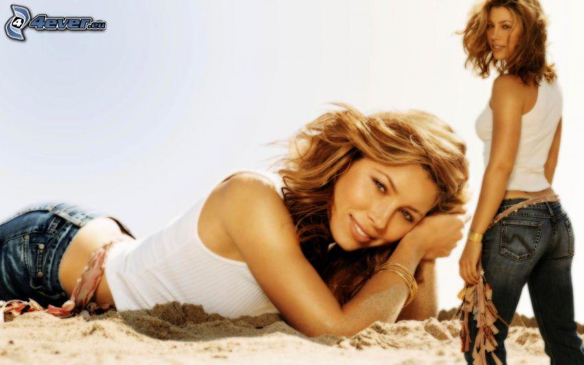 Jessica Biel, woman on the beach