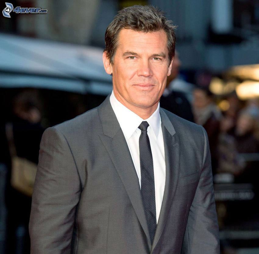 Josh Brolin, smile, man in suit
