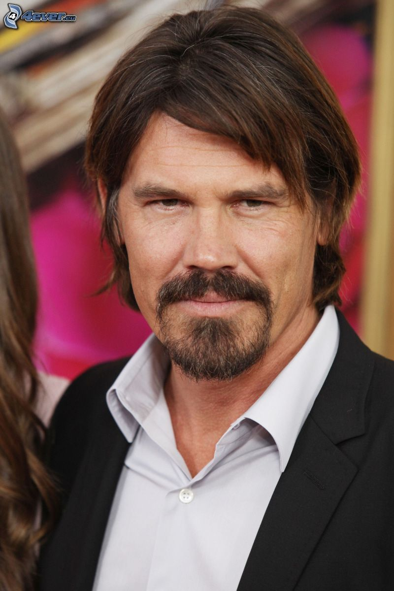 Josh Brolin, whiskers
