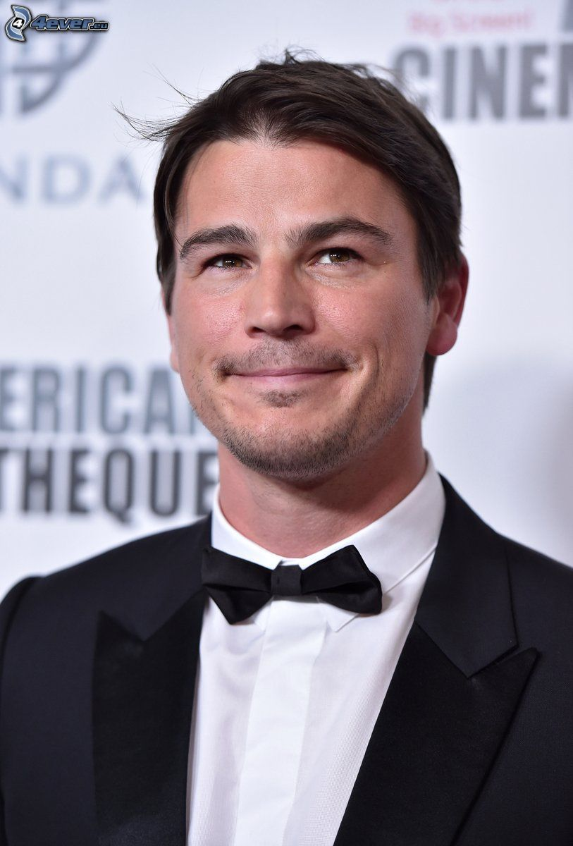 Josh Hartnett, smile, man in suit, bow tie