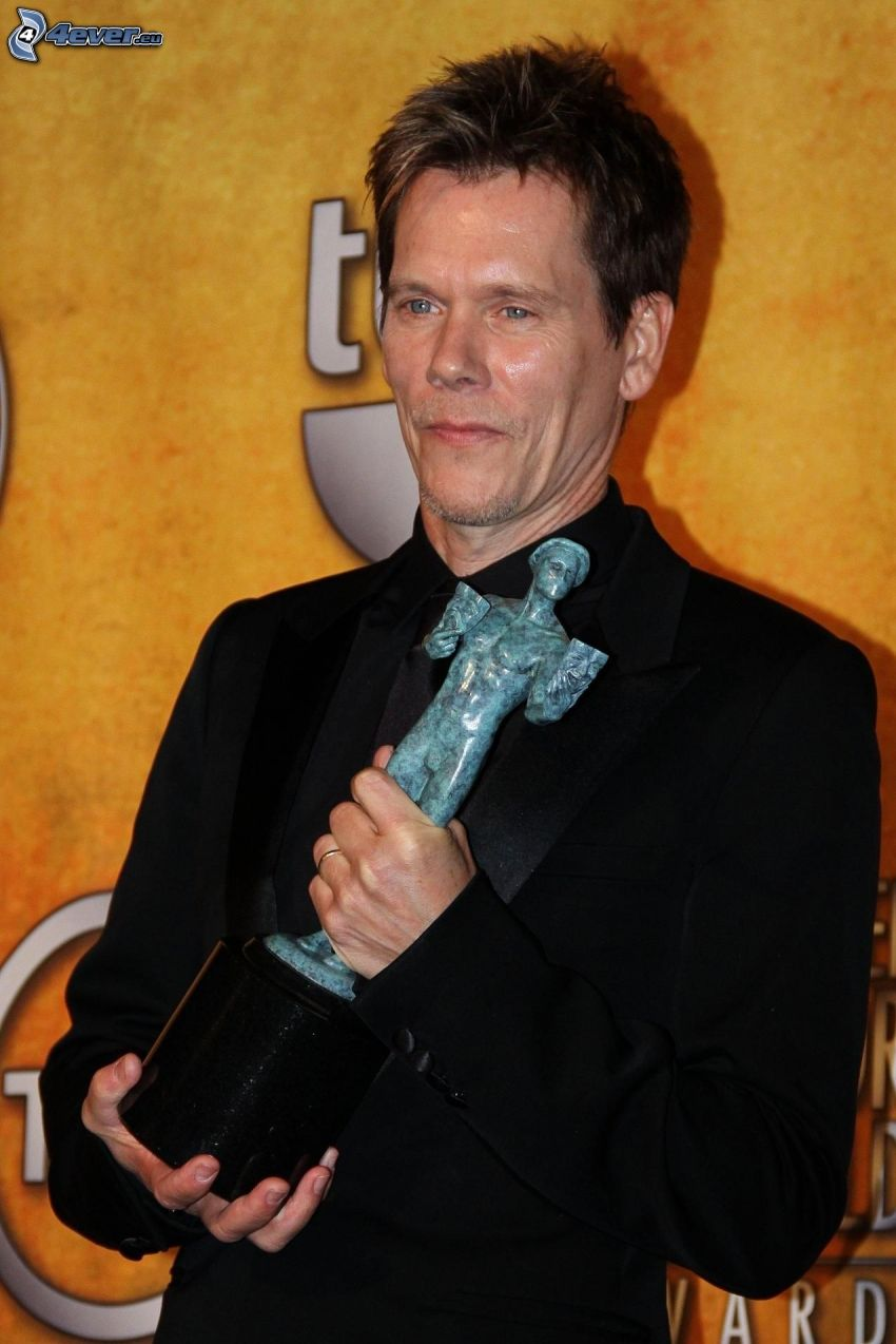 Kevin Bacon, statue