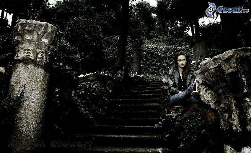 Kristen Stewart, stairs