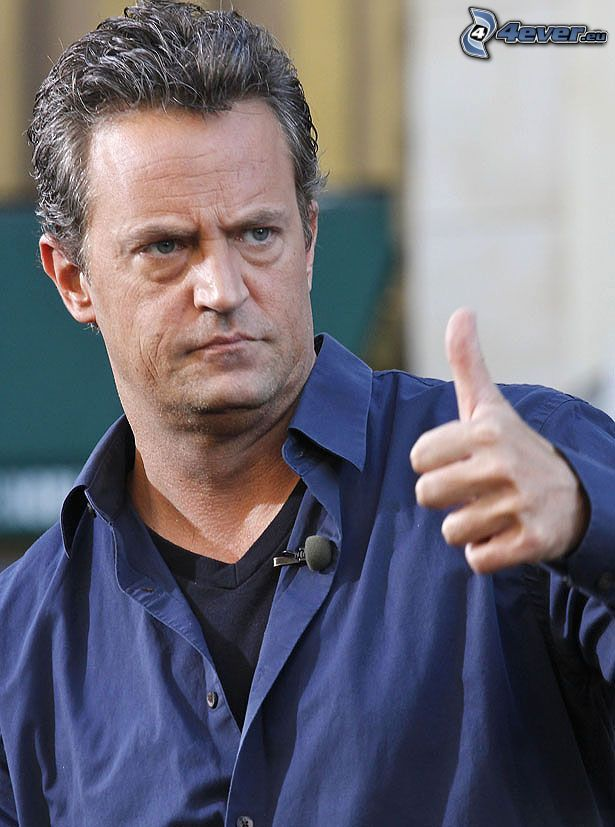 Matthew Perry, thumbs up