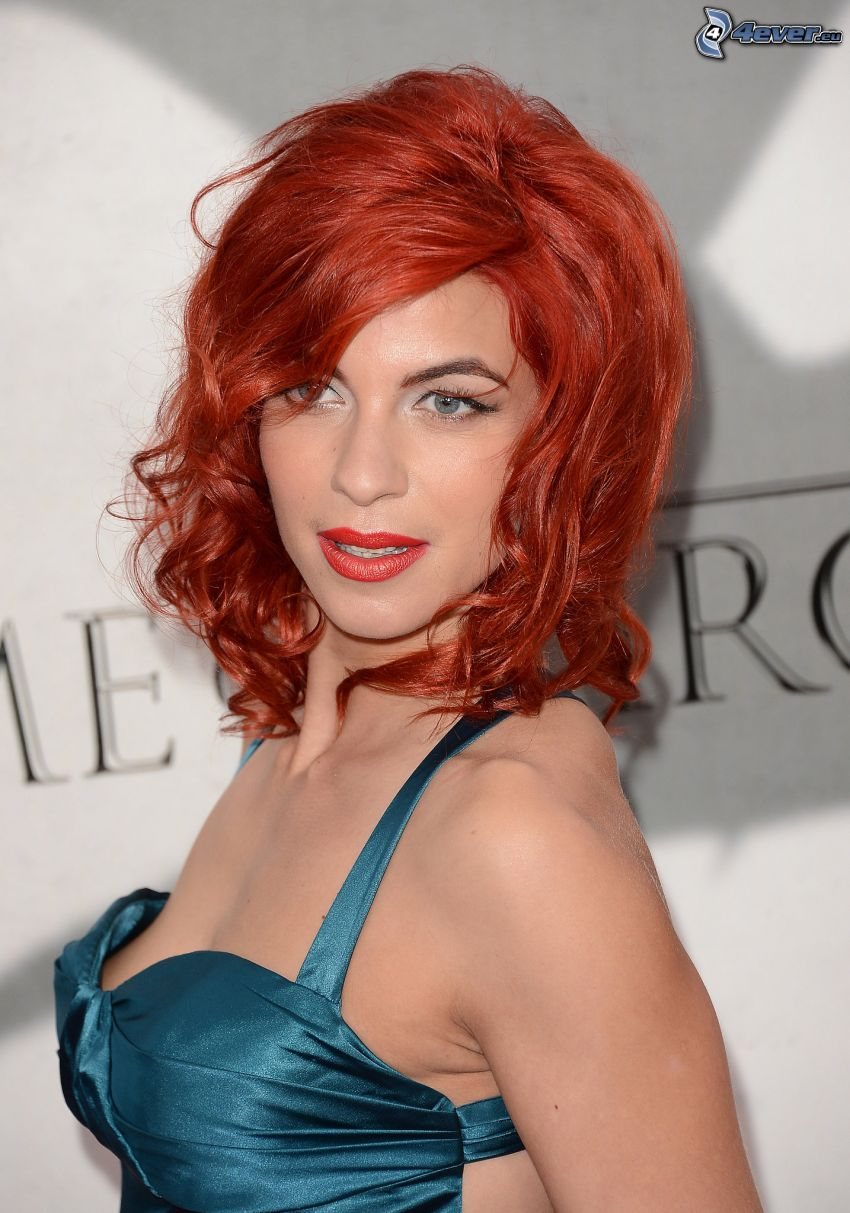 Natalia Tena, redhead