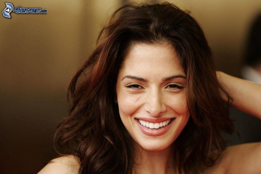 Sarah Shahi, laughter