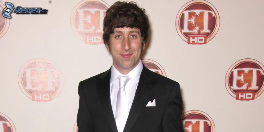 Simon Helberg, man in suit
