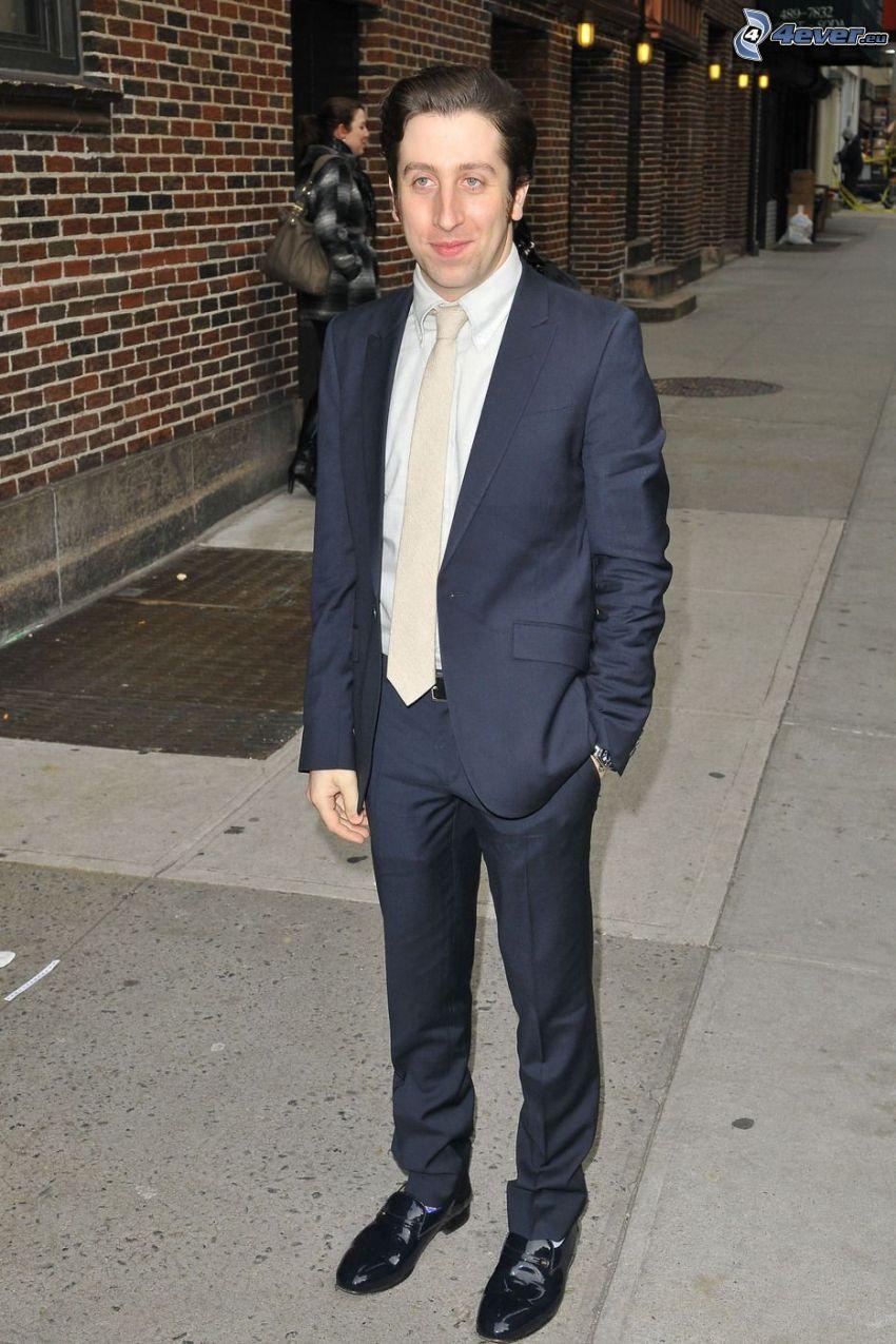 Simon Helberg, man in suit