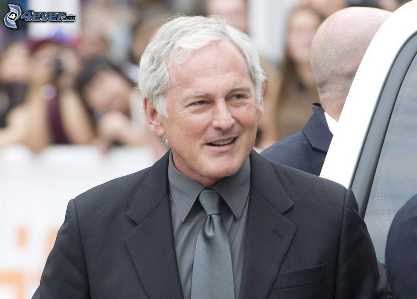 Victor Garber, man in suit