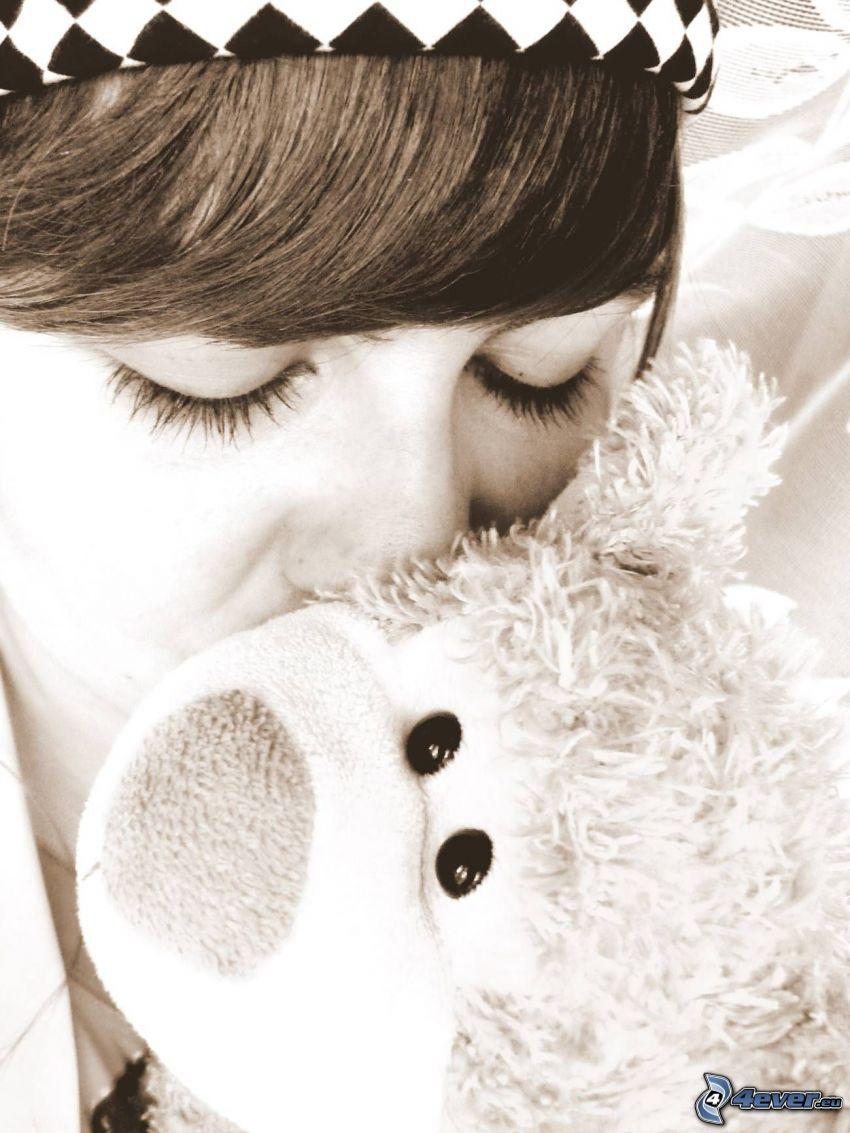 girl with teddy-bear, kiss, face