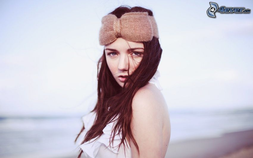 brunette, headband