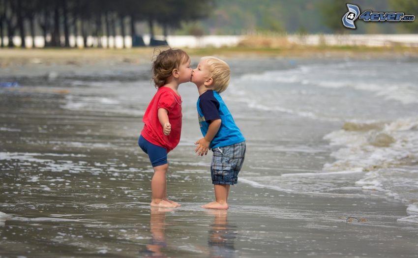 children on the beach, kiss, love, sea