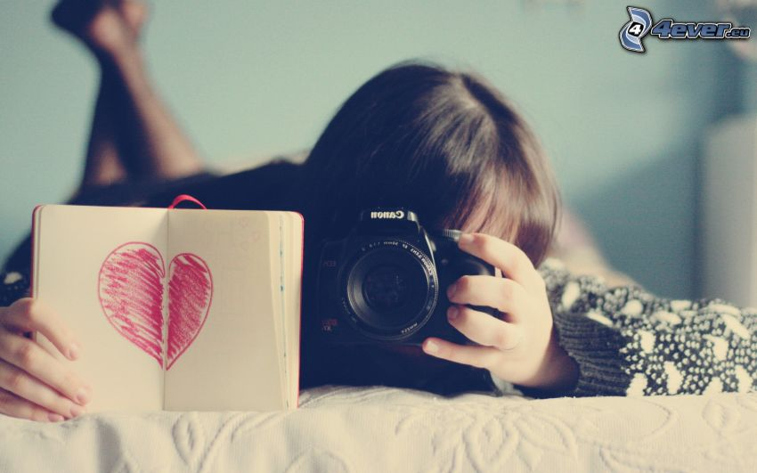 girl with camera, heart