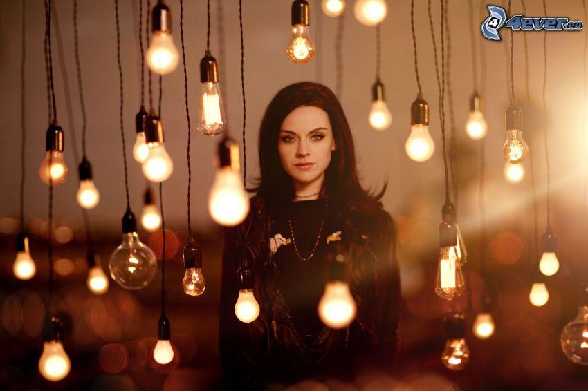 Amy Macdonald, bulbs
