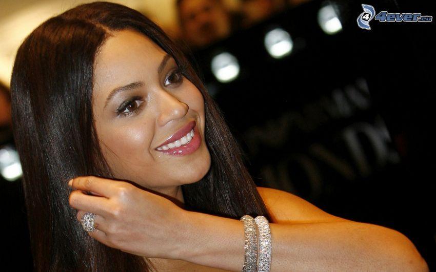 Beyoncé Knowles, smile