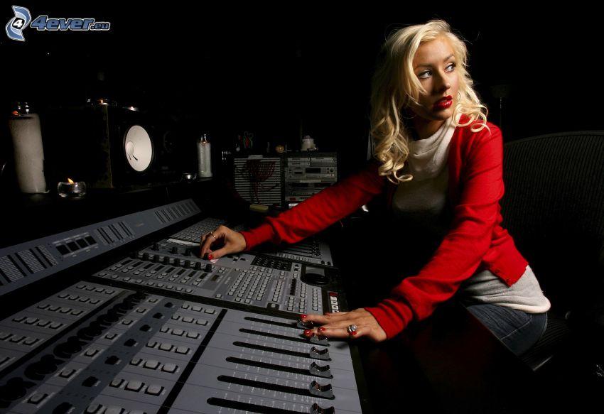Christina Aguilera, recording studio