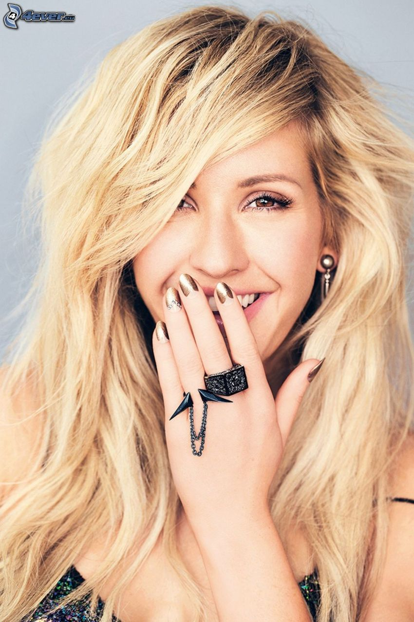 Ellie Goulding, laughter