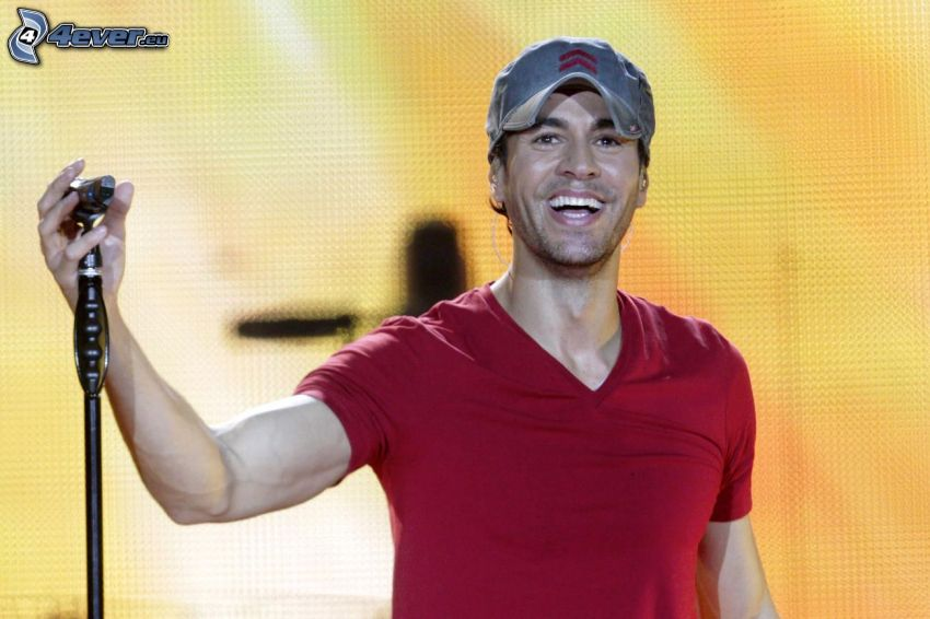 Enrique Iglesias, laughter, concert