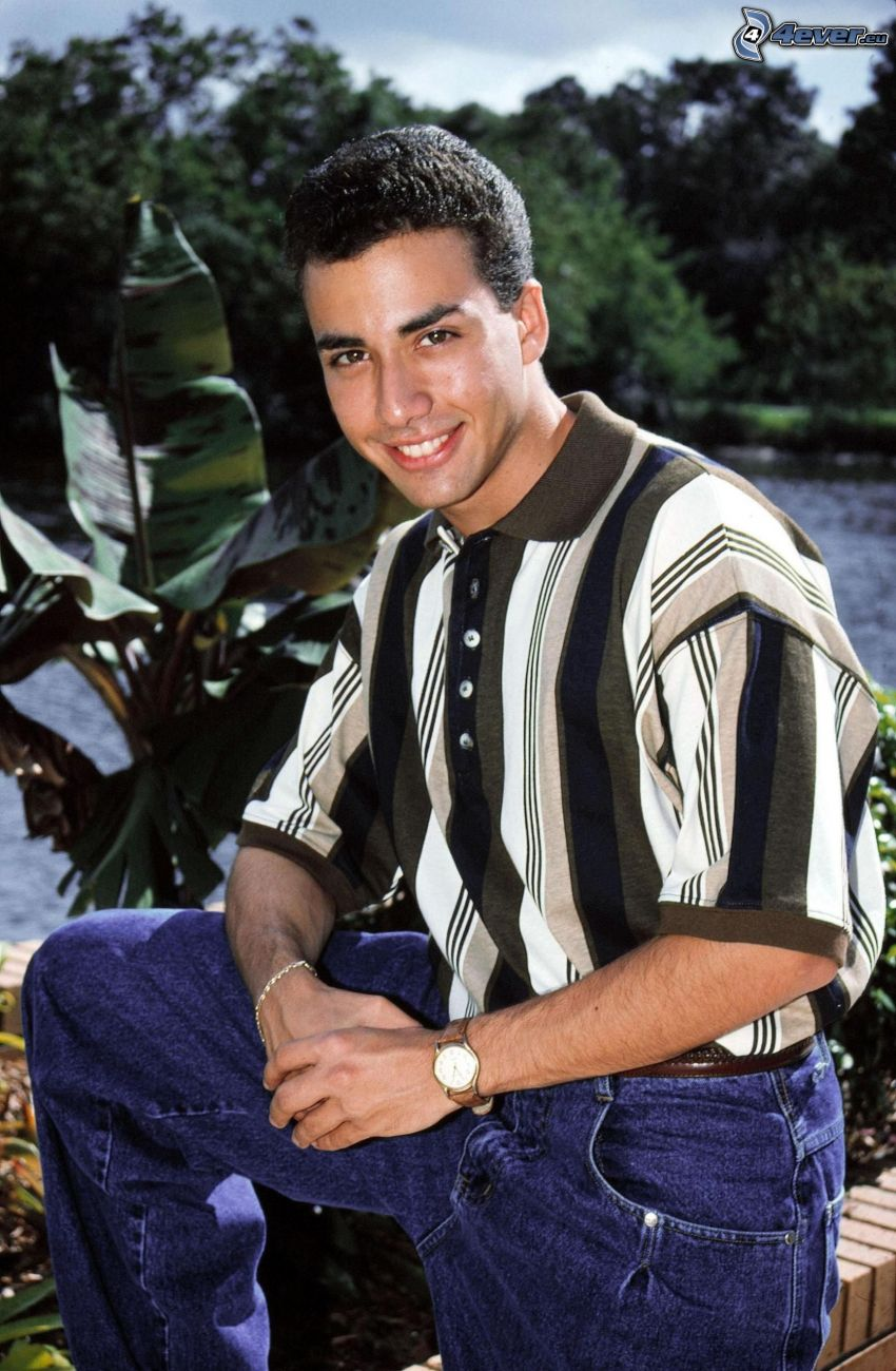 Howie Dorough, smile, watch