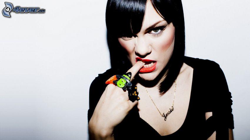Jessie J, finger in mouth