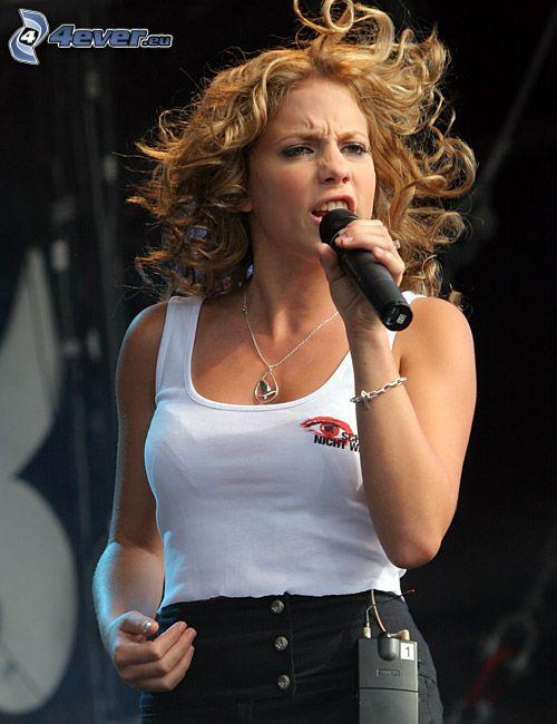 LaFee, singing, microphone