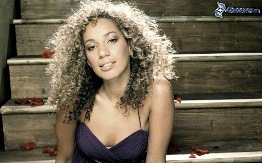 Leona Lewis, stairs