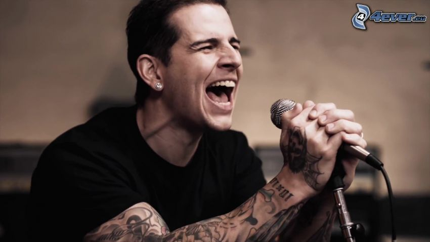 M. Shadows, singing, tattooed guy