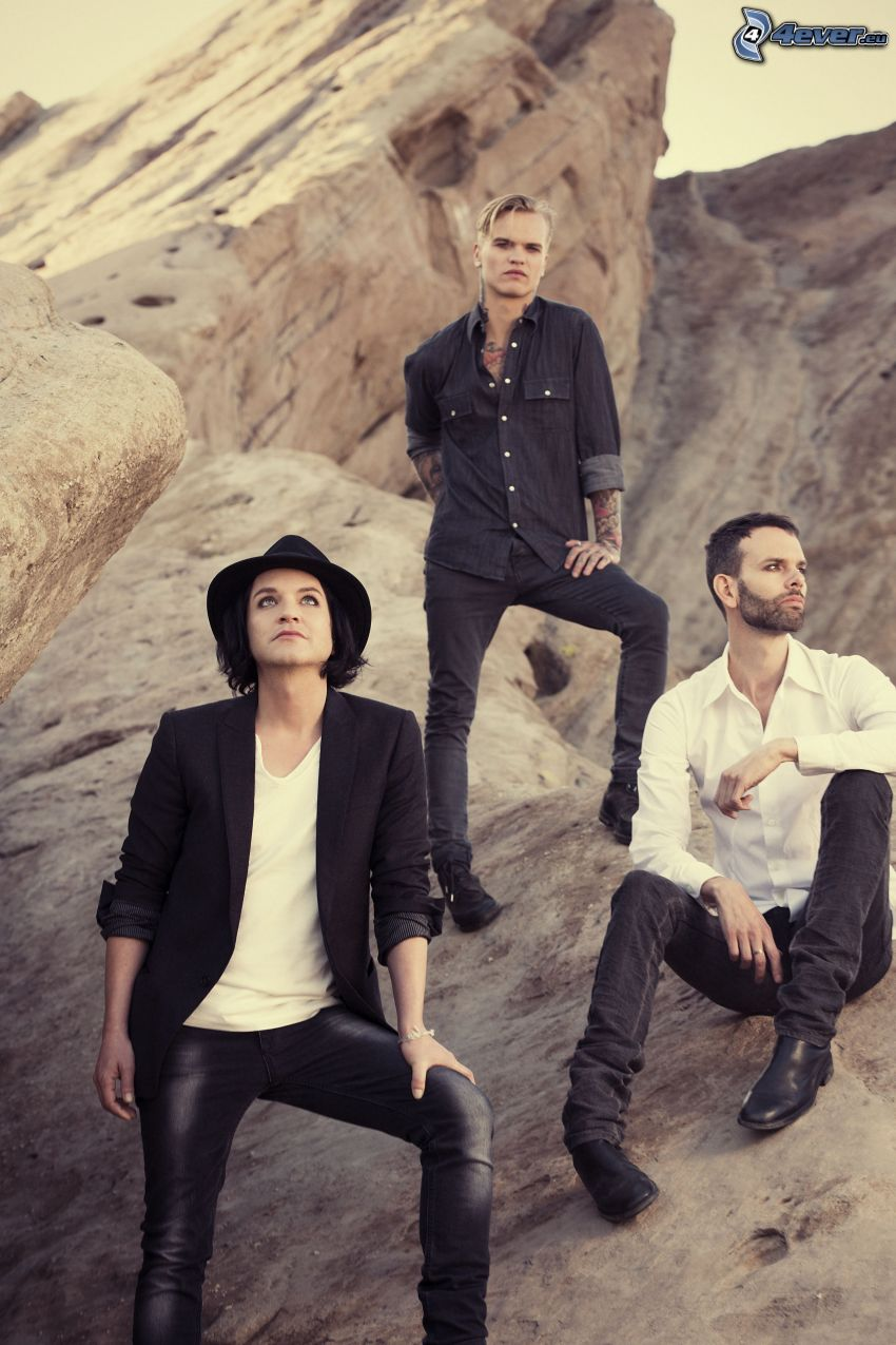 Placebo, a man in hat