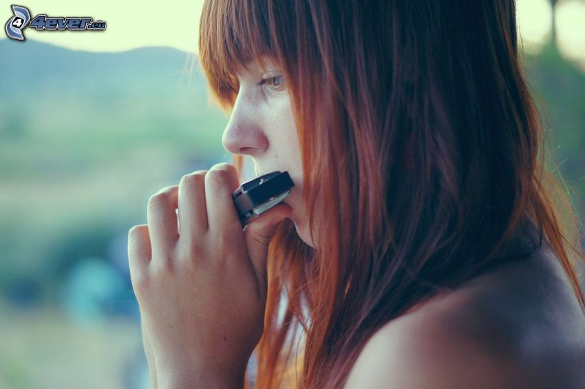 redhead, harmonica