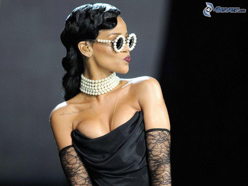 Rihanna, cleavage, black dress