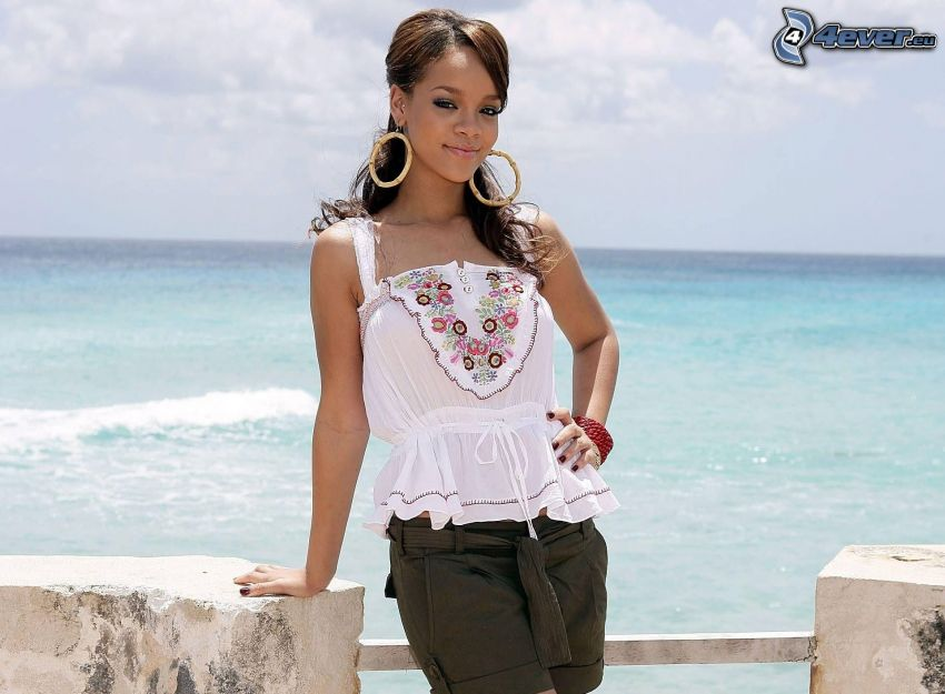 Rihanna, the view of the sea