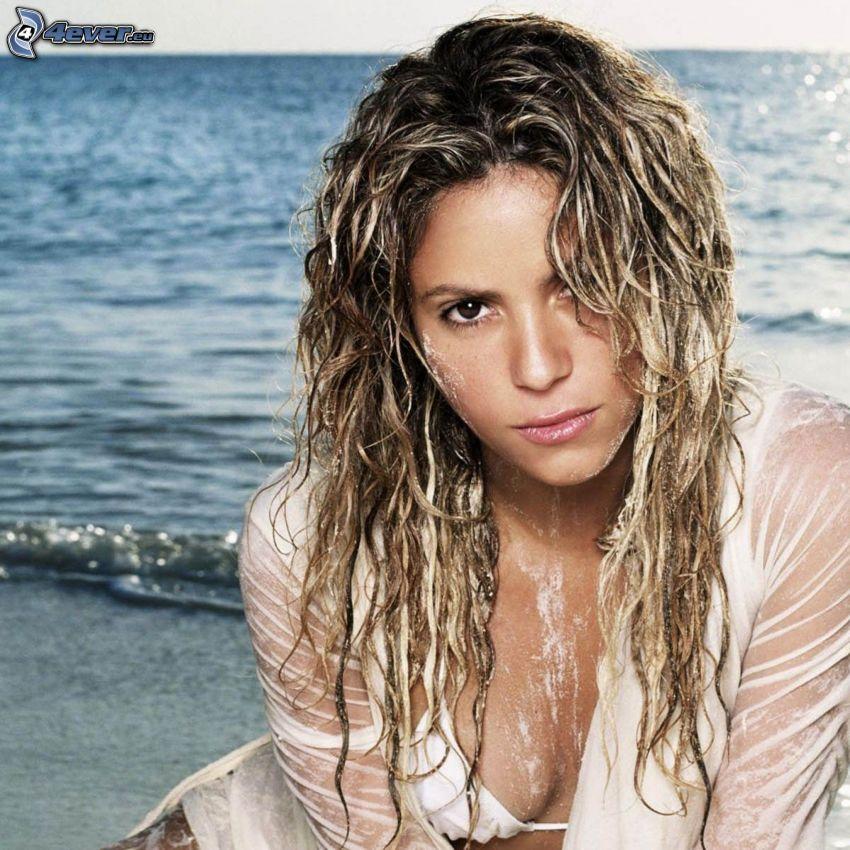 Shakira, woman on the beach, sea, wet woman