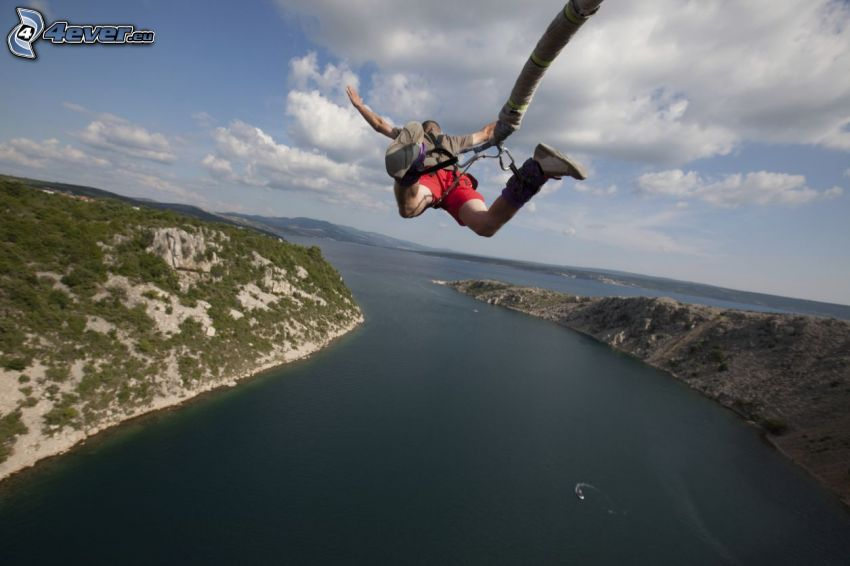 Bungee jumping, freefall, River