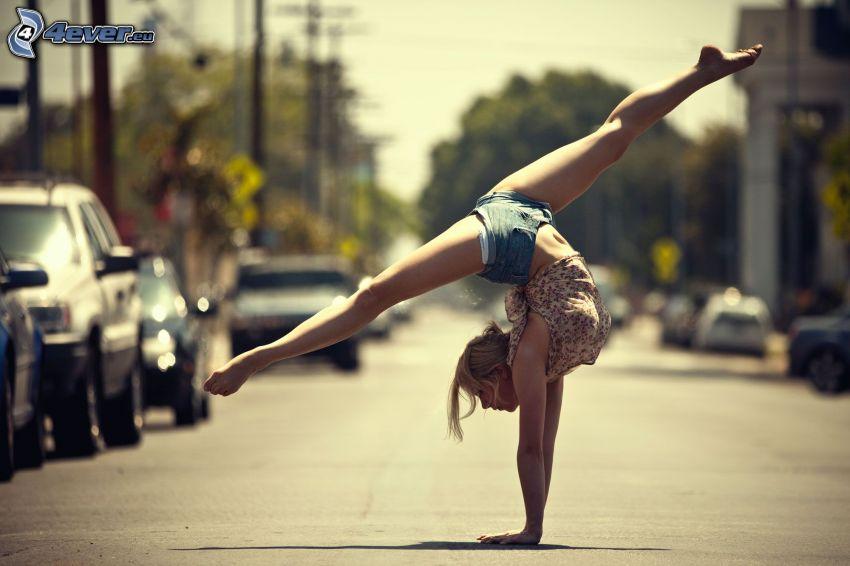 handstand, splits, street