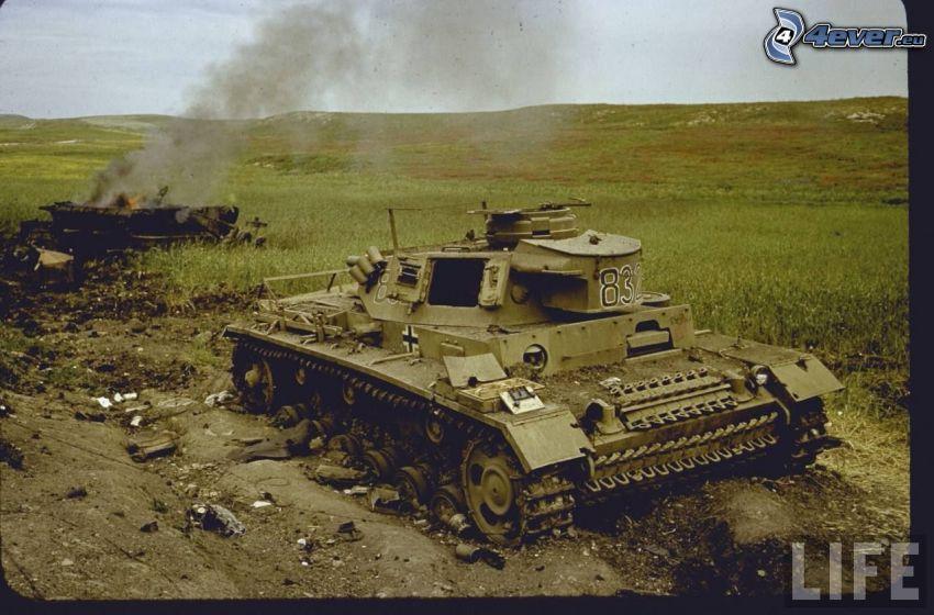 destroyed tank, World War II