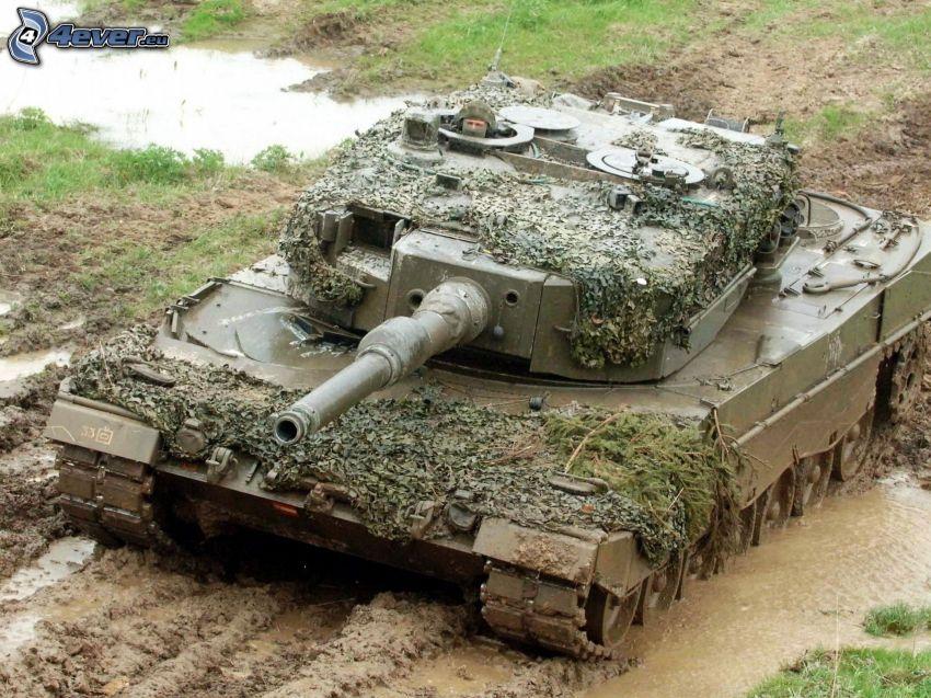 Leopard 2, tank, mud