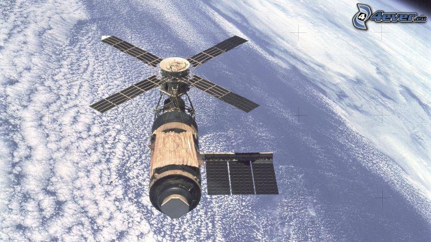 Skylab, satellite, Earth