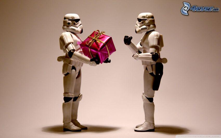 Stormtrooper, robots, gift