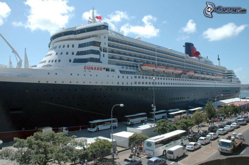Queen Mary 2, luxury ship, harbor