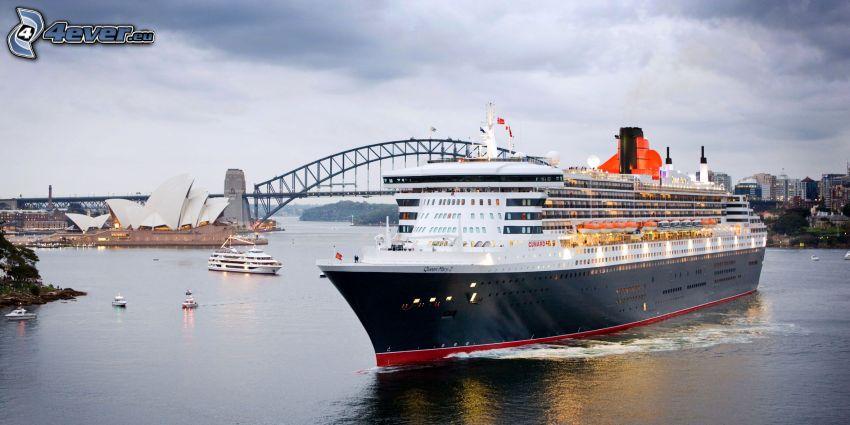 Queen Mary 2, luxury ship, Sydney Opera House